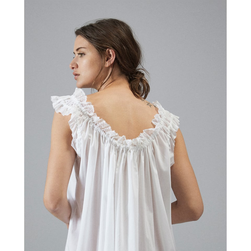 GATHERED LACE NIGHTGOWN