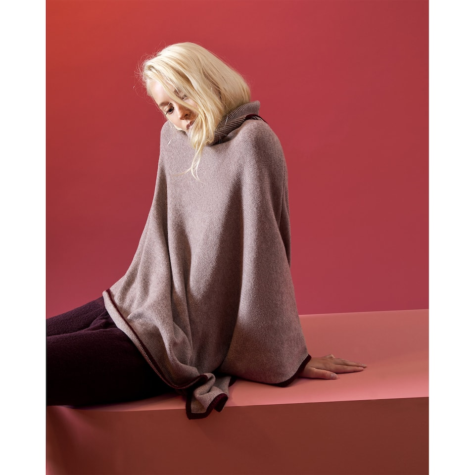 WOOL AND CASHMERE PONCHO