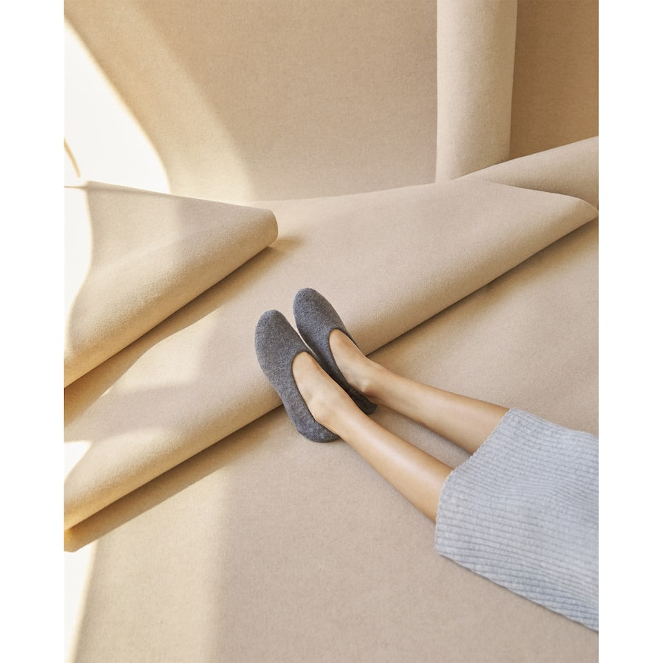 SOFT CASHMERE SLIPPERS
