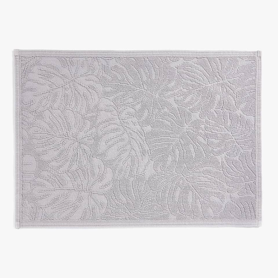 RAISED LEAF DESIGN BATH MAT