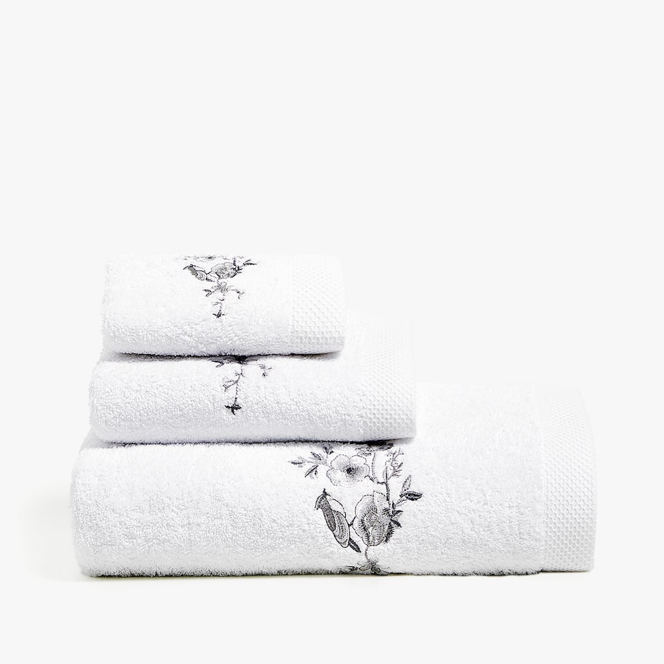 FLORAL EMBROIDERY TOWEL
