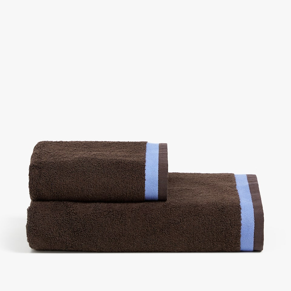 REVERSIBLE JACQUARD TOWEL