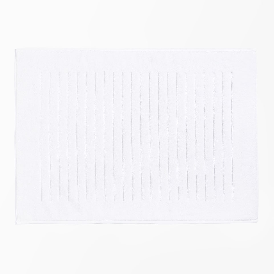 STRIPED BORDER BATH MAT