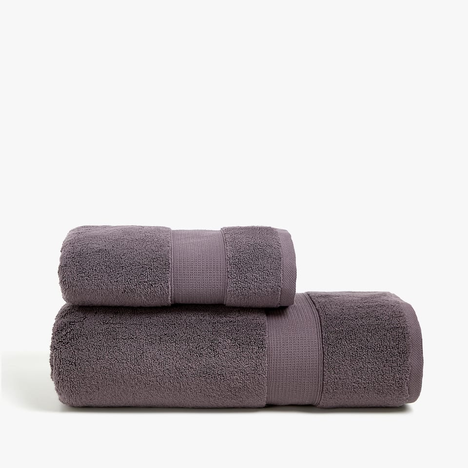 SOFT TOWEL WITH JACQUARD STRIPE