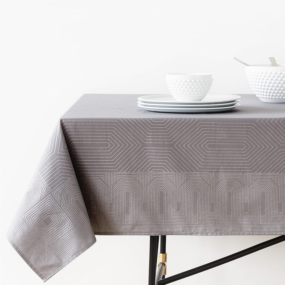 GEOMETRIC PRINT COTTON TABLECLOTH