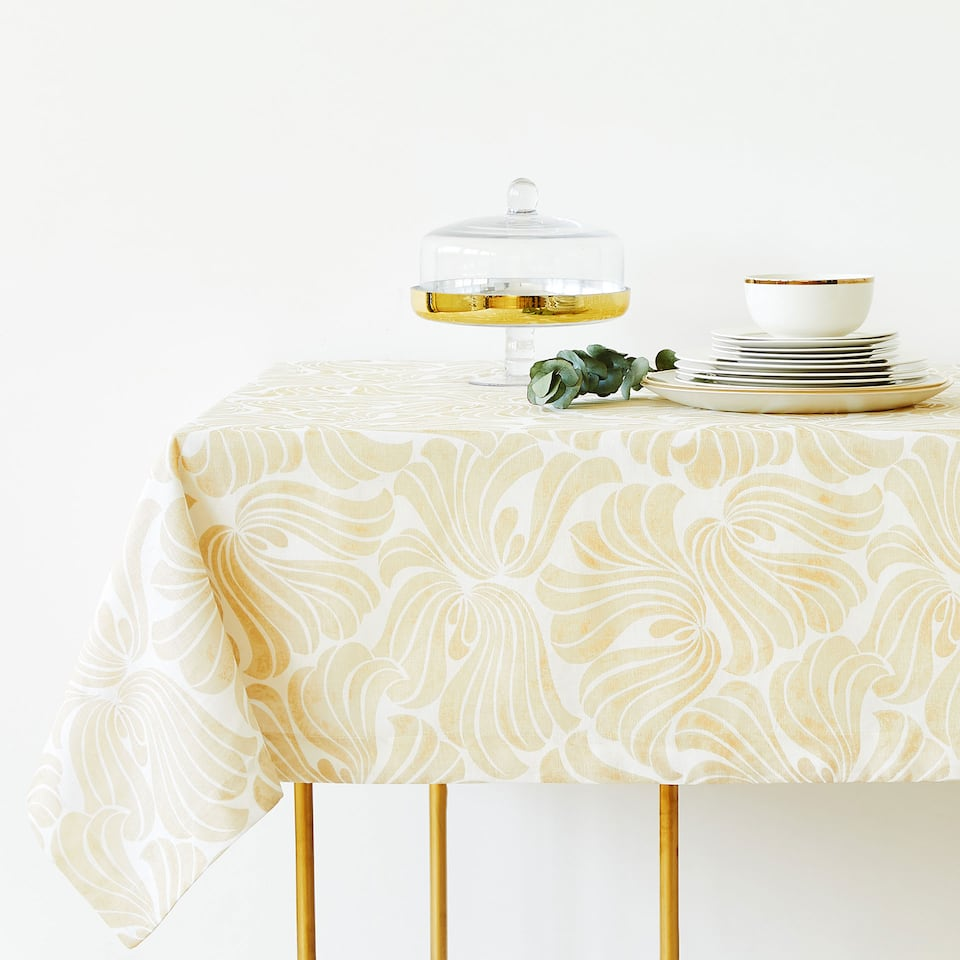 LINEN AND COTTON TABLECLOTH WITH DECORATIVE PRINT