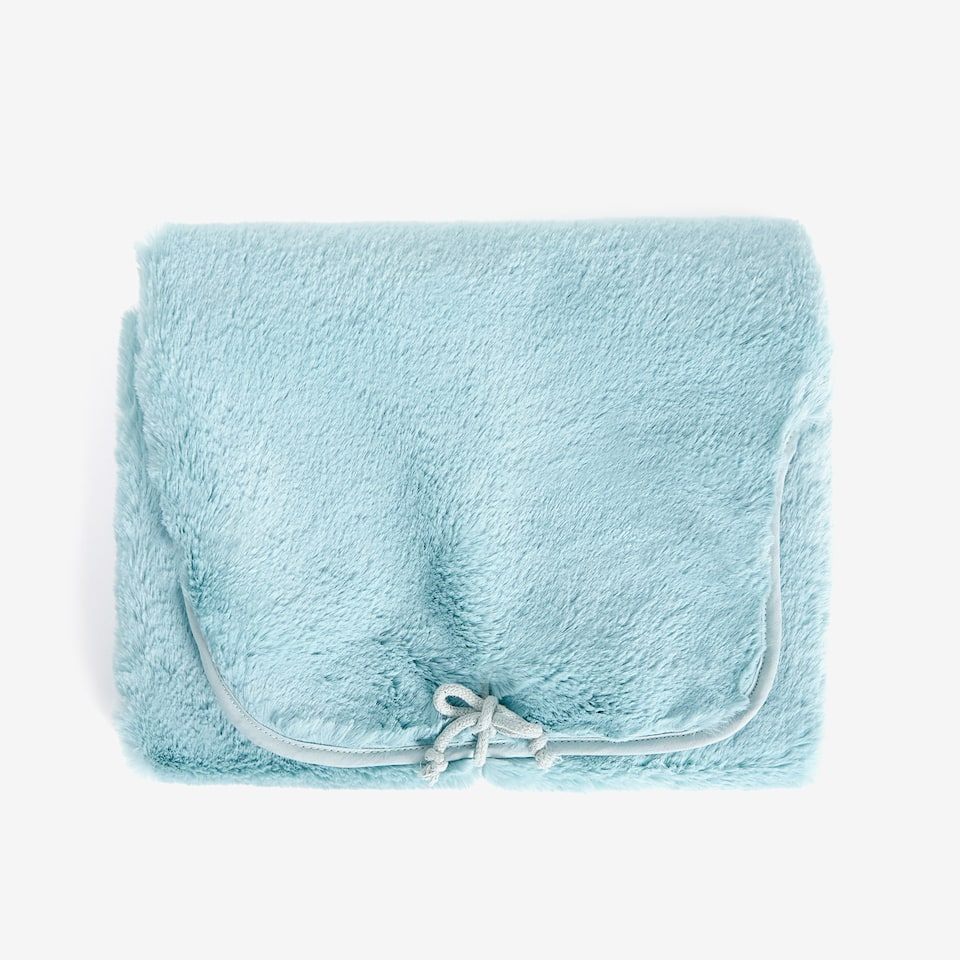 BLUEISH FAUX FUR CHANGING MAT