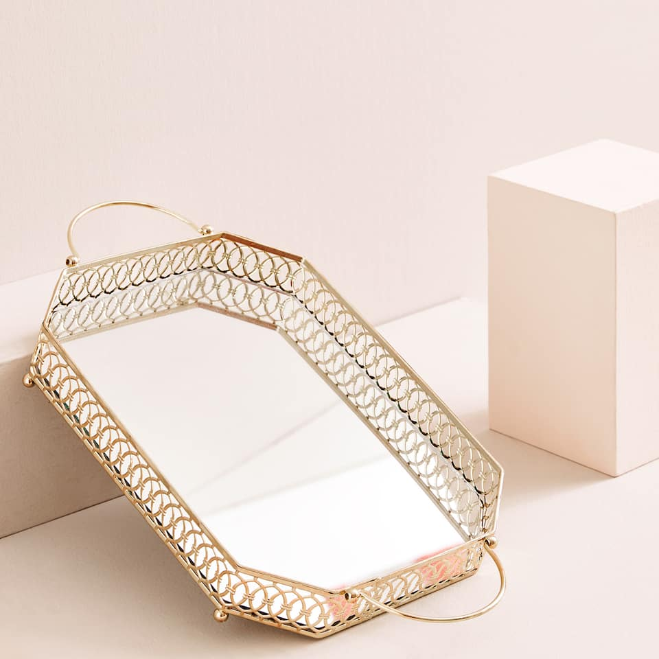 Mirrored tray with openwork