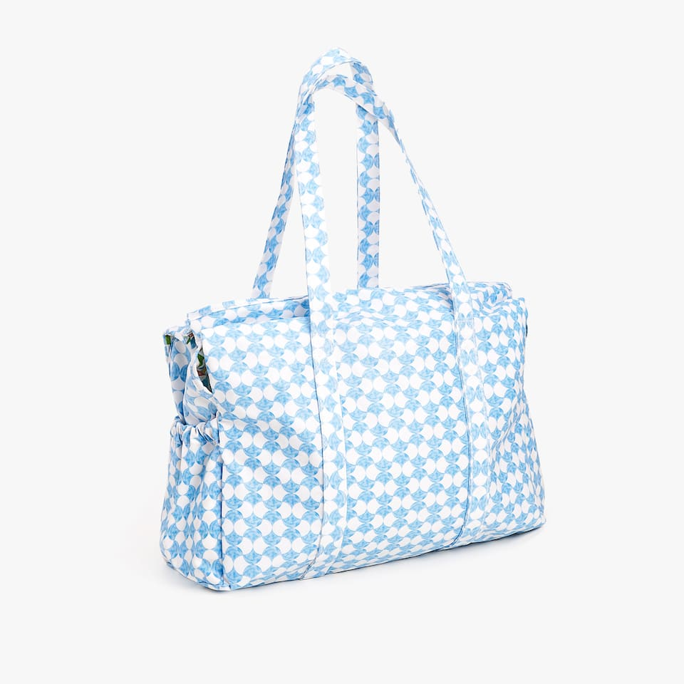 WATERPROOF BABY PUSHCHAIR BAG WITH A GEOMETRIC PRINT