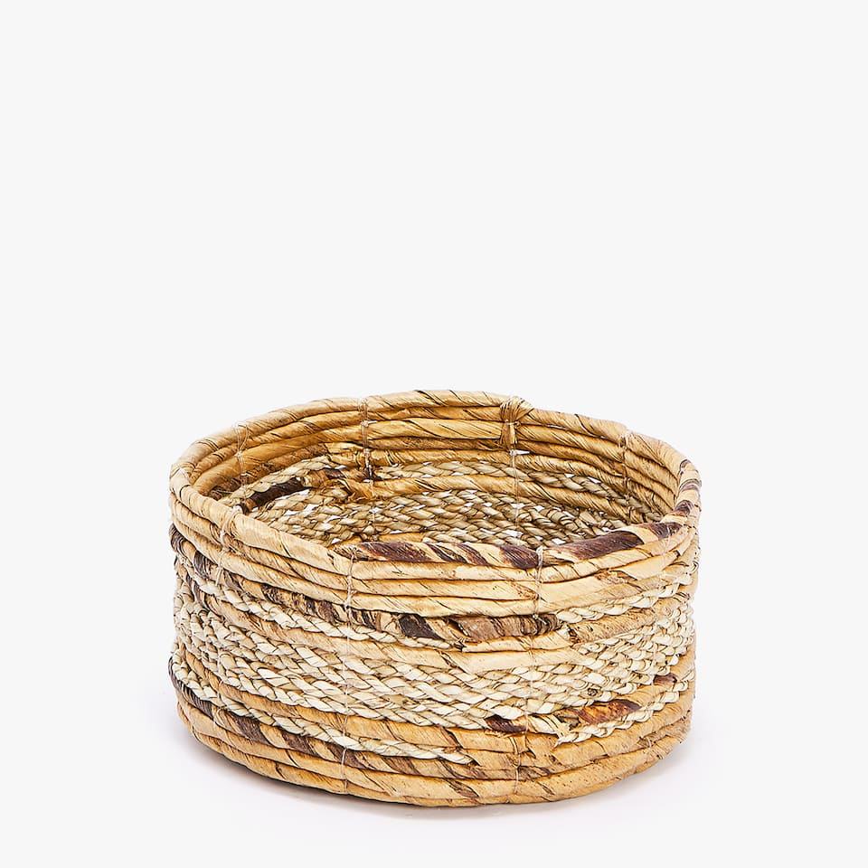 SMALL TEXTURED BASKET