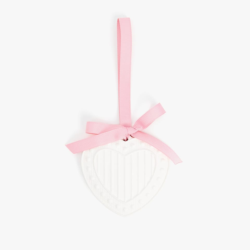 HEART SHAPED SCENTED MEDALLION