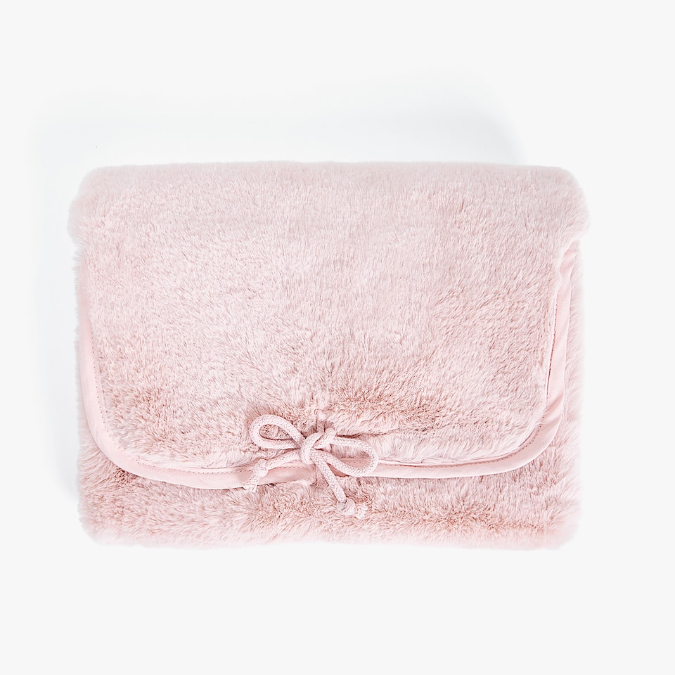 PINK FAUX FUR CHANGING MAT