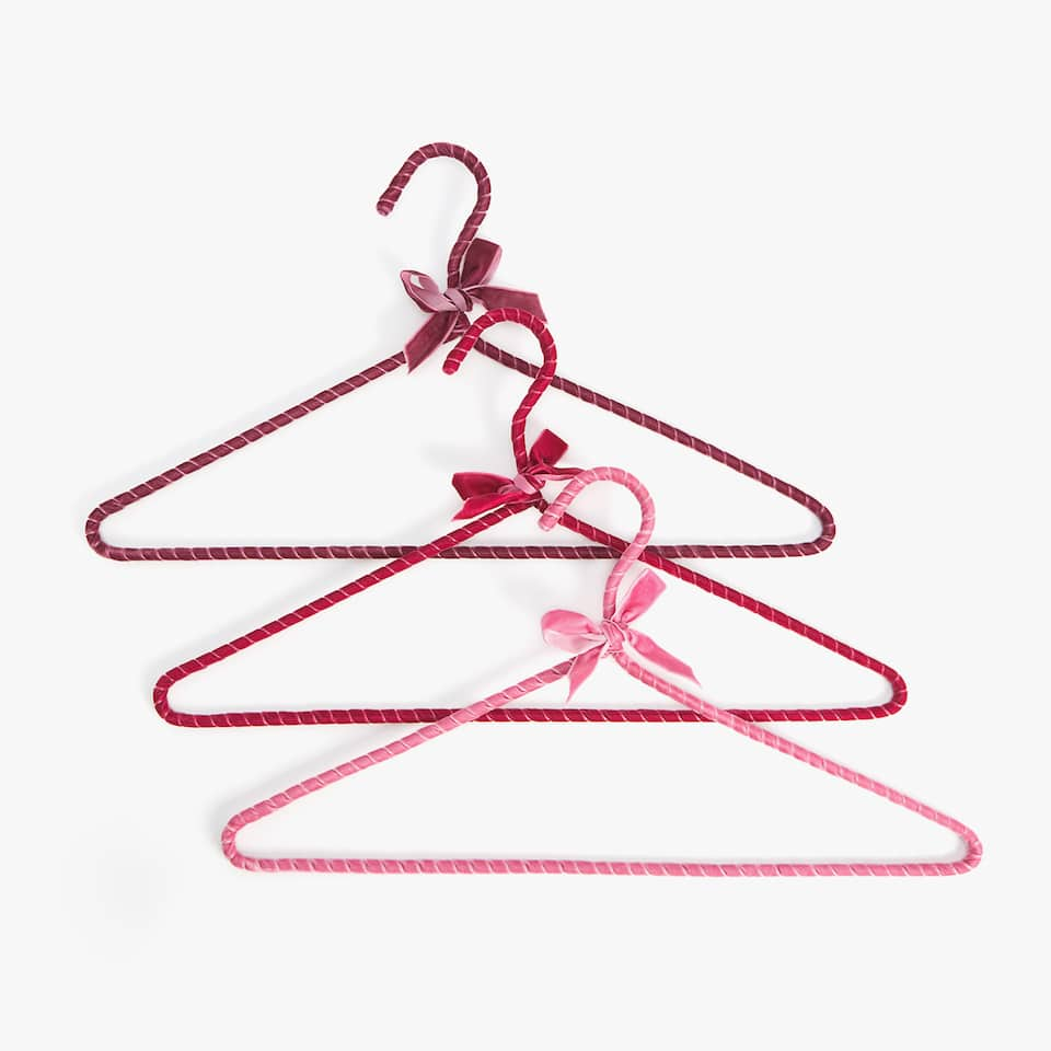 VELVET HANGER (SET OF 3)