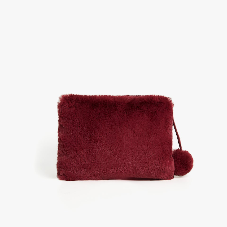 FAUX FUR TOILETRY BAG