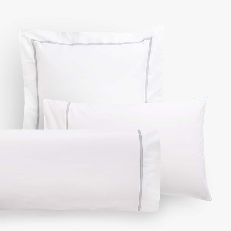 PILLOWCASE WITH CONTRASTING GREY LINE