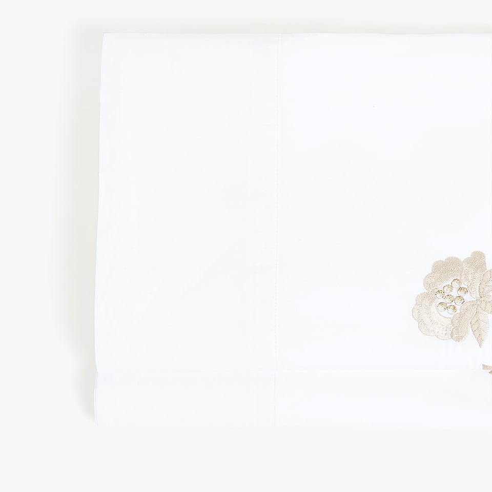 FLAT SHEET WITH EMBROIDERED BRANCHES AND FLOWERS