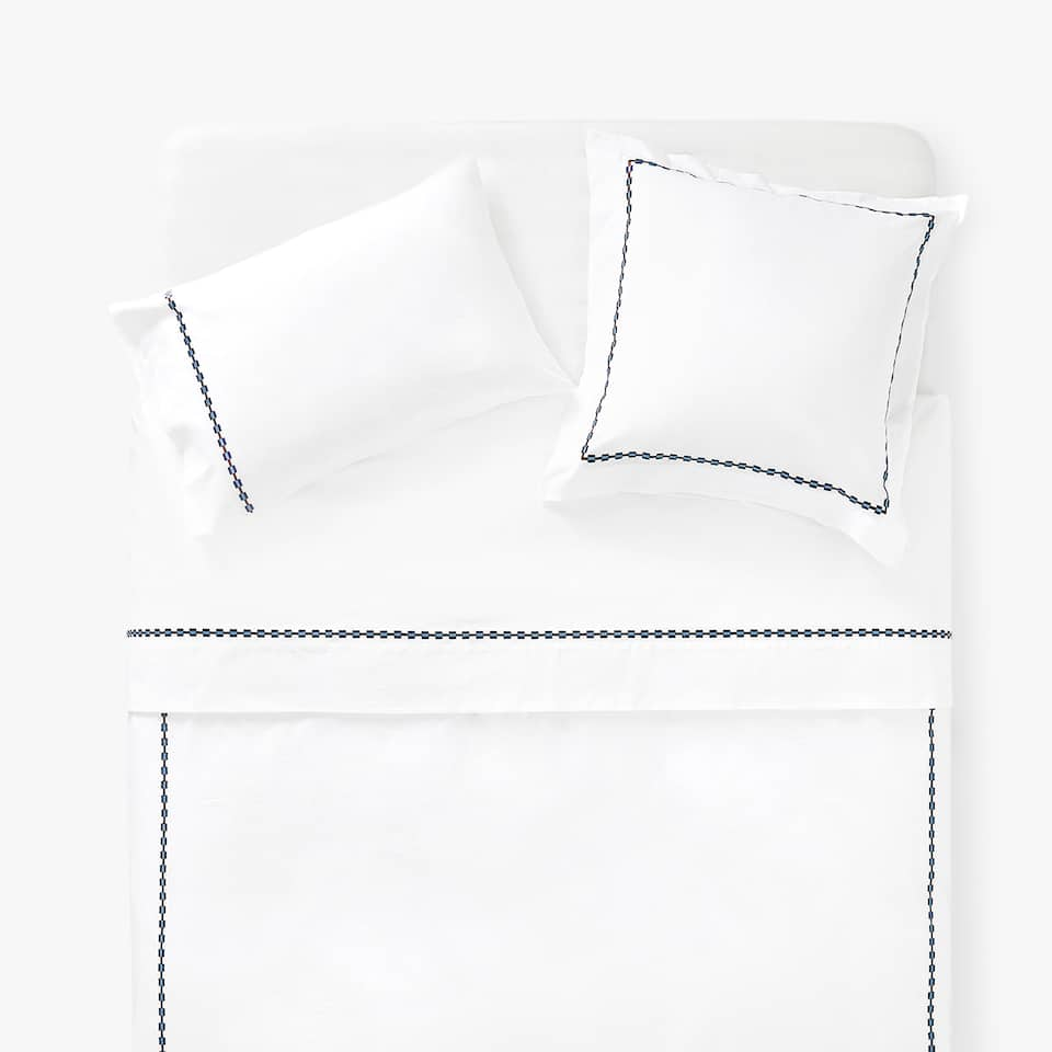EMBROIDERED SCALLOPED DUVET COVER