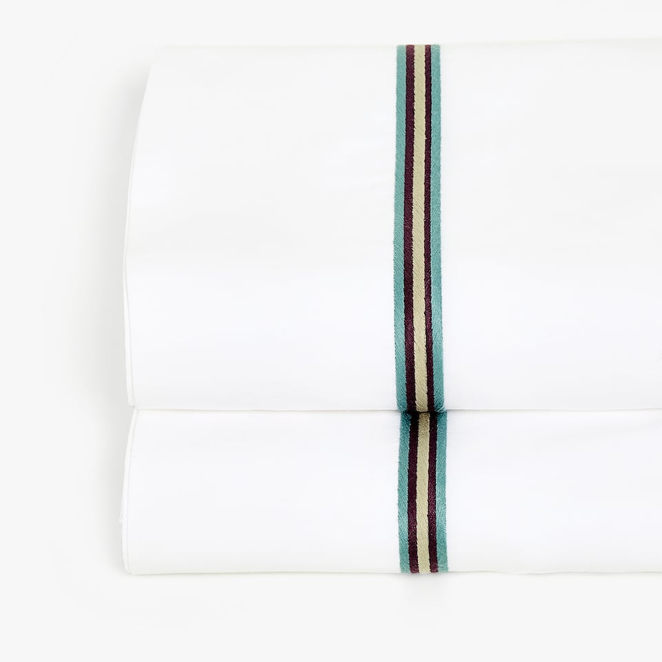FLAT SHEET WITH EMBROIDERED BORDER