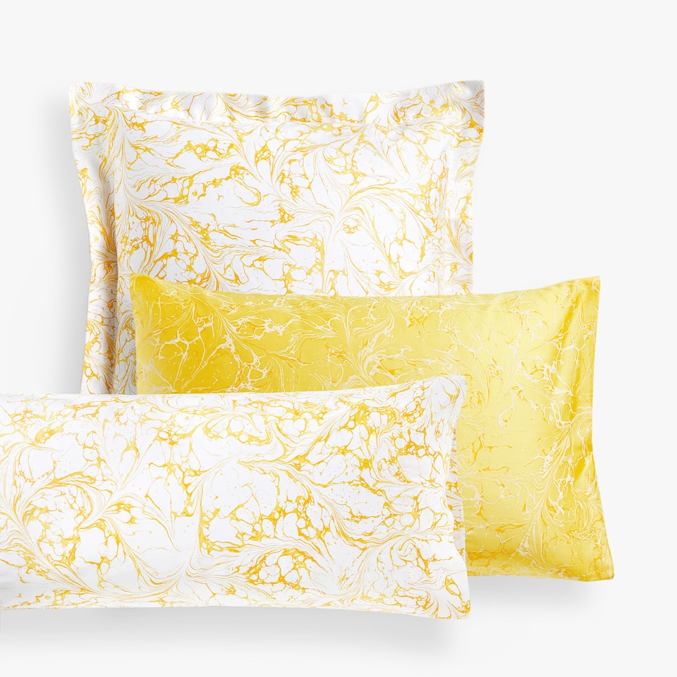 REVERSIBLE MARBLE-EFFECT PILLOW CASE
