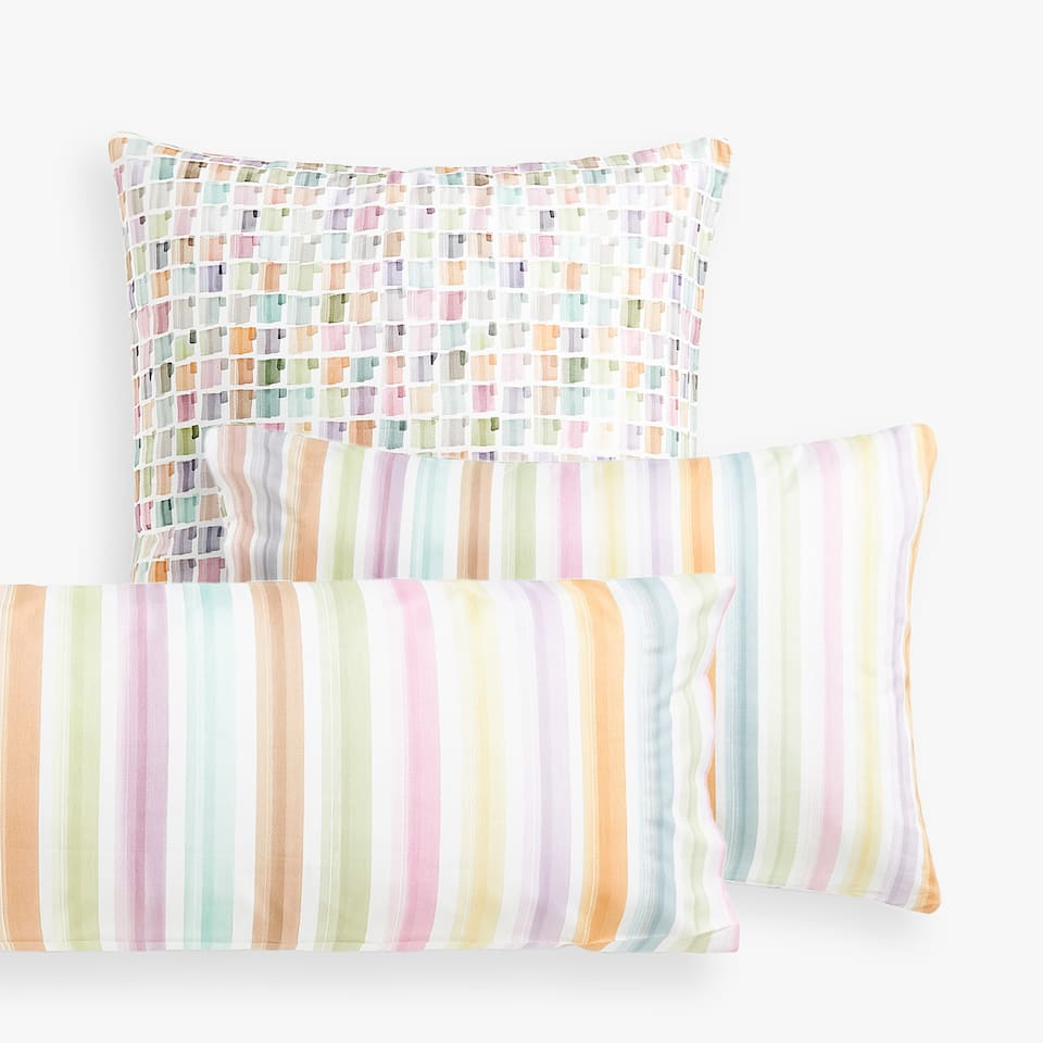 CHECKS AND STRIPES PRINT PILLOWCASE