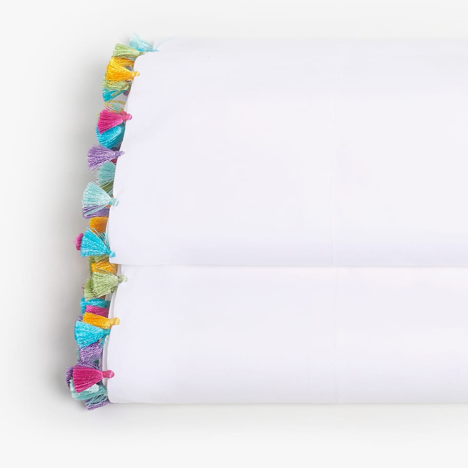 FLAT SHEET WITH MULTICOLORED TASSELS