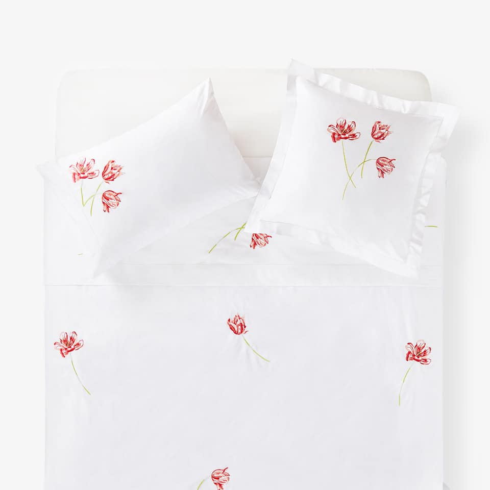 EMBROIDERED FLOWER DUVET COVER