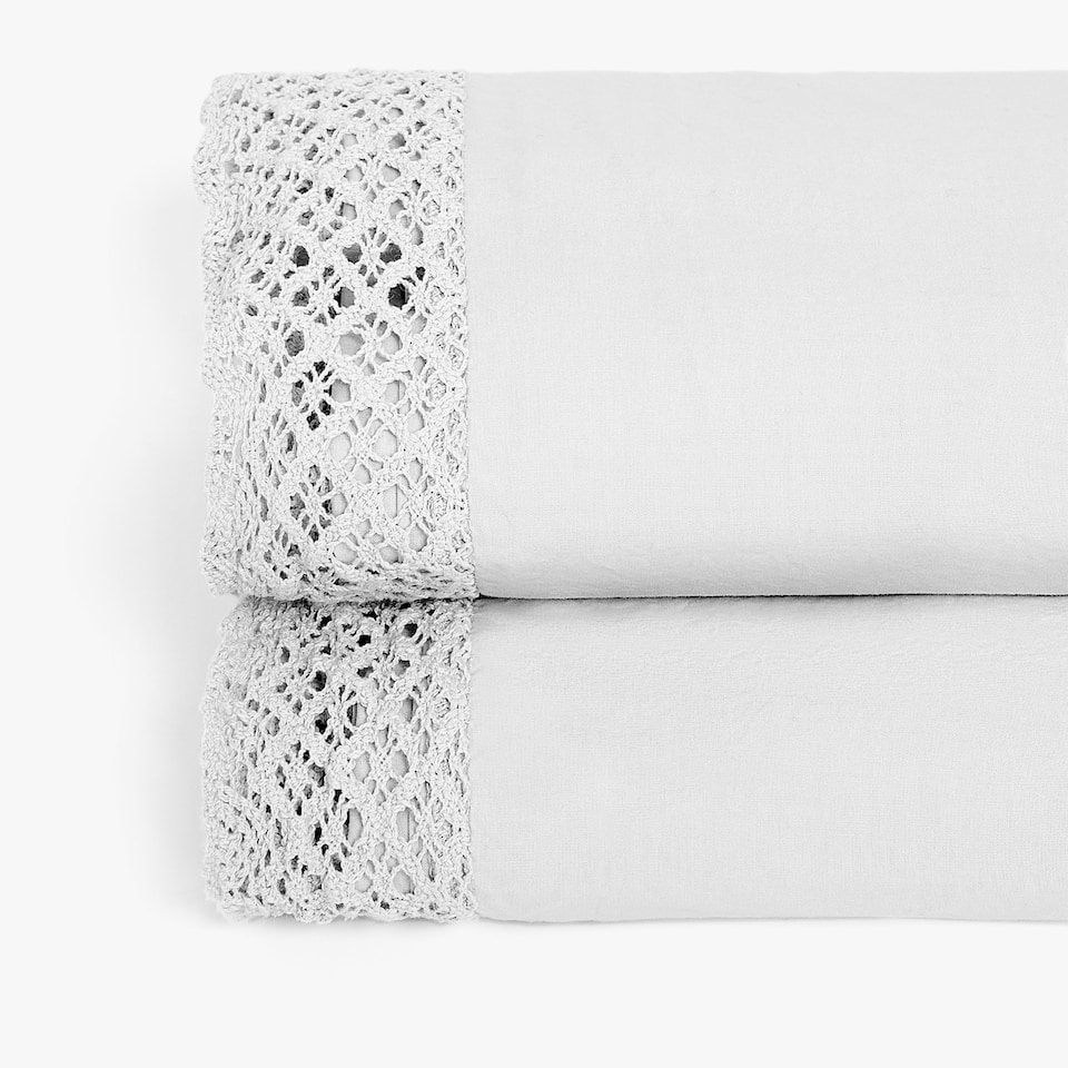 WASHED COTTON FLAT SHEET WITH CROCHET DETAIL