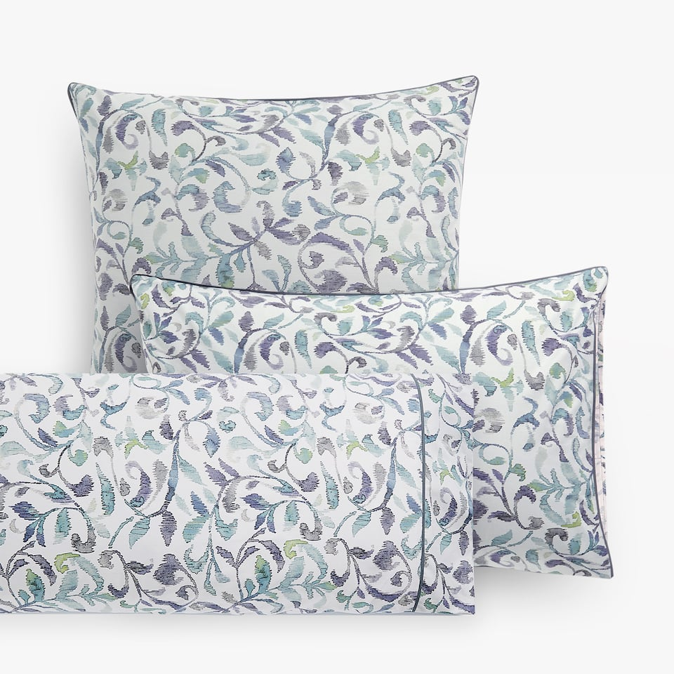 PILLOW CASE WITH OVERSIZED IKAT PAISLEY PRINT