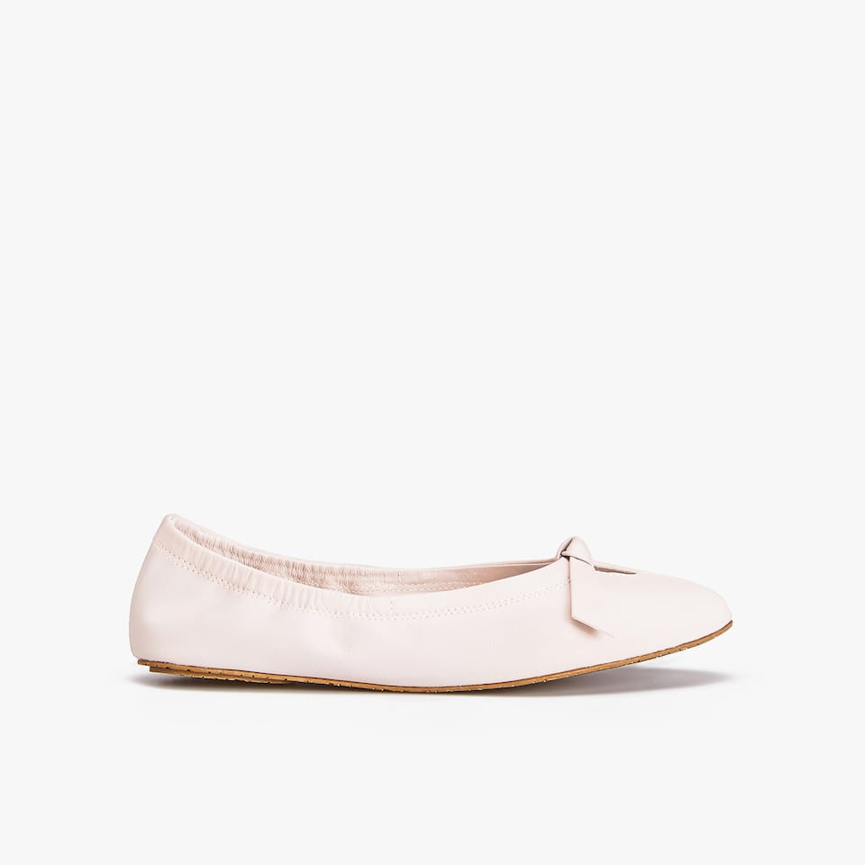 LEATHER BALLET FLATS WITH BOW
