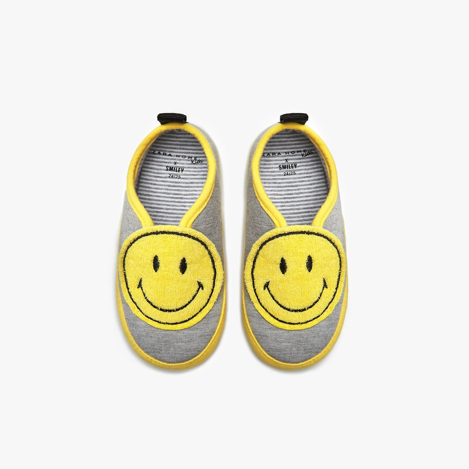 PANTOFFEL MET SMILEY