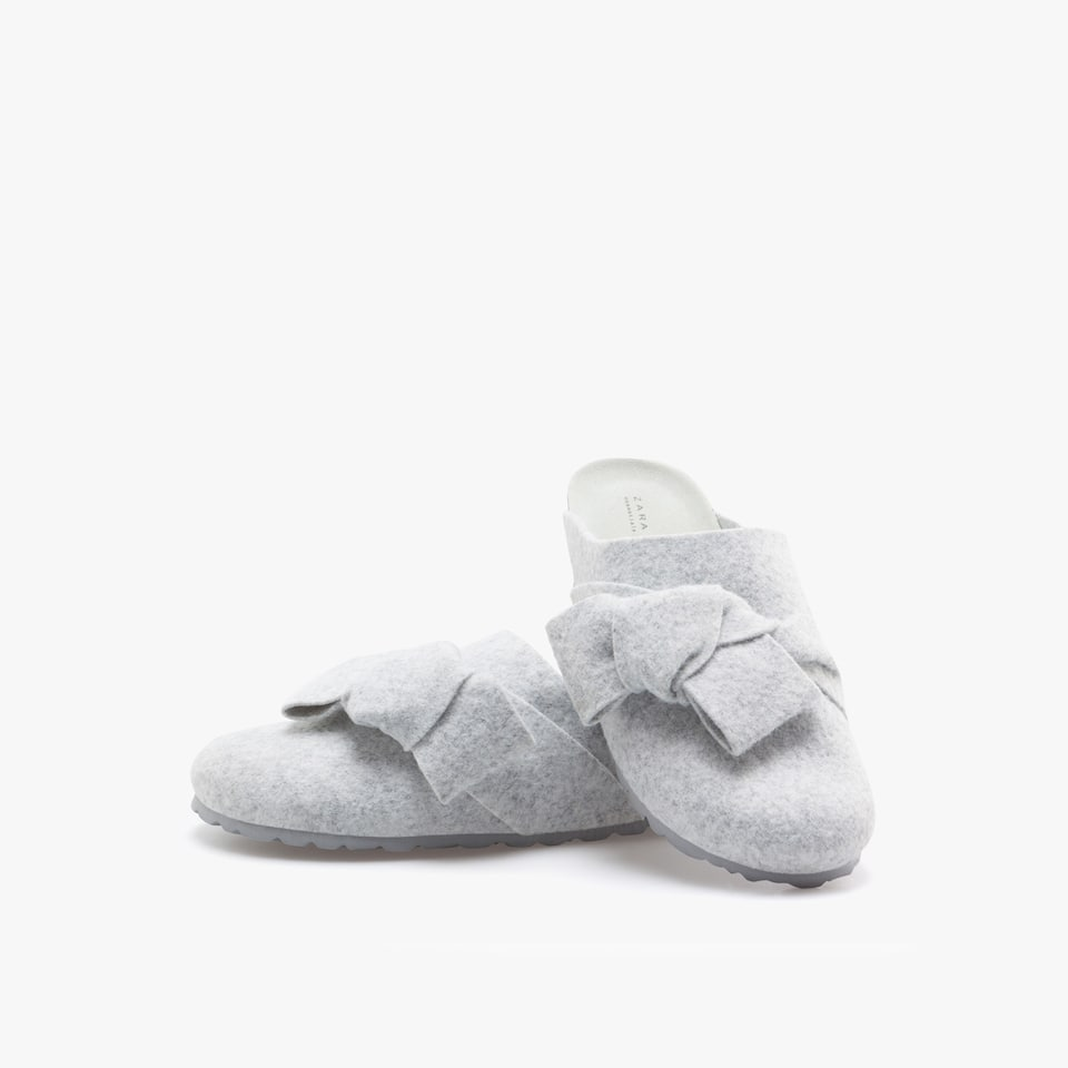 FELT MULE CLOG SLIPPERS WITH BOW