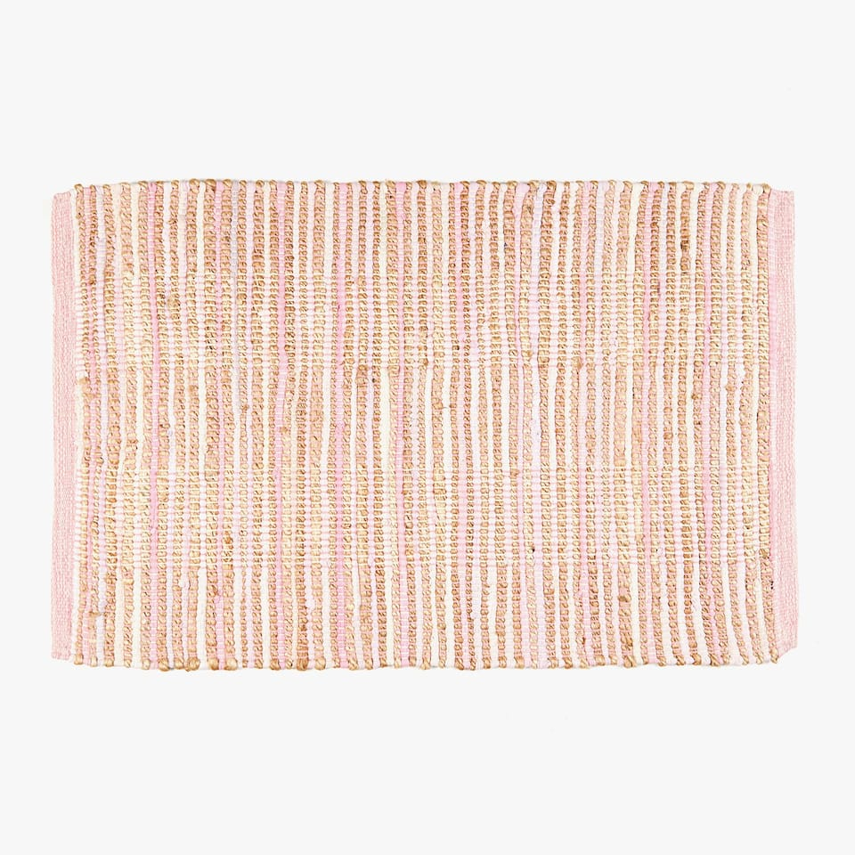 RUG WITH PINK STRIPES