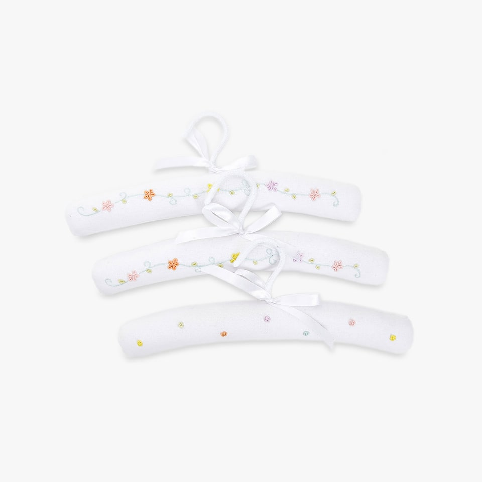 FLORAL EMBROIDERED HANGER (SET OF 3)