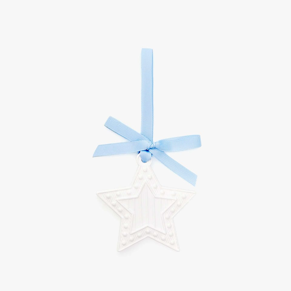 SCENTED STAR-SHAPED PENDANT