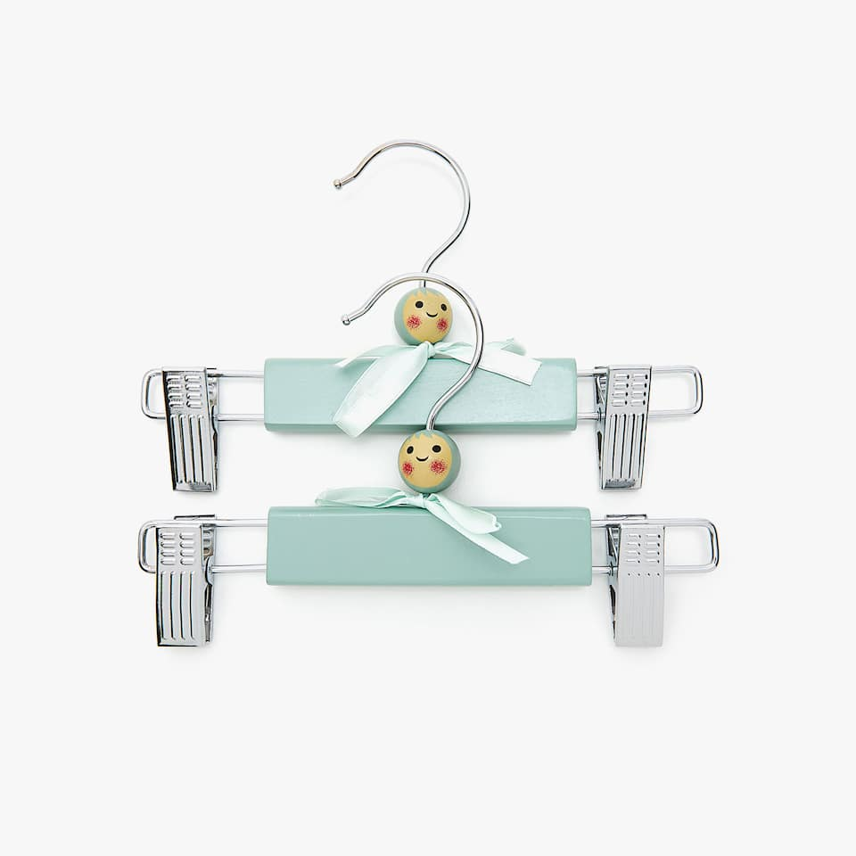 HANGER WITH PEGS AND DOLL'S HEAD (PACK OF 2)