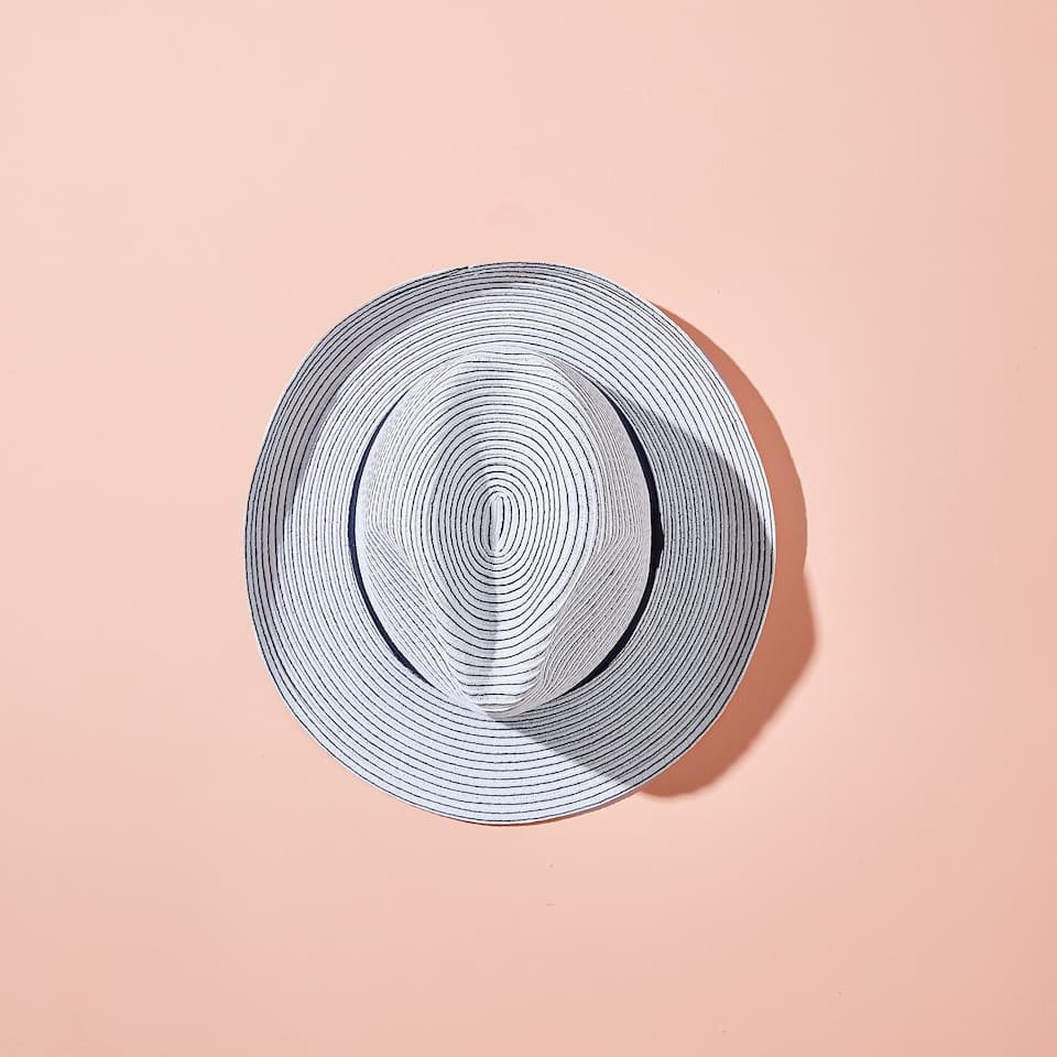 TWO-TONE STRIPED HAT