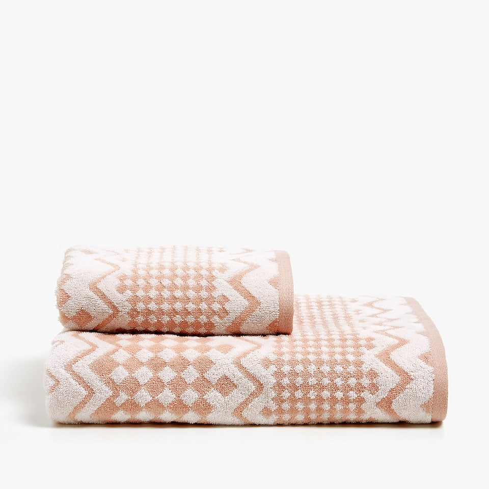 GEOMETRIC COTTON JACQUARD TOWEL
