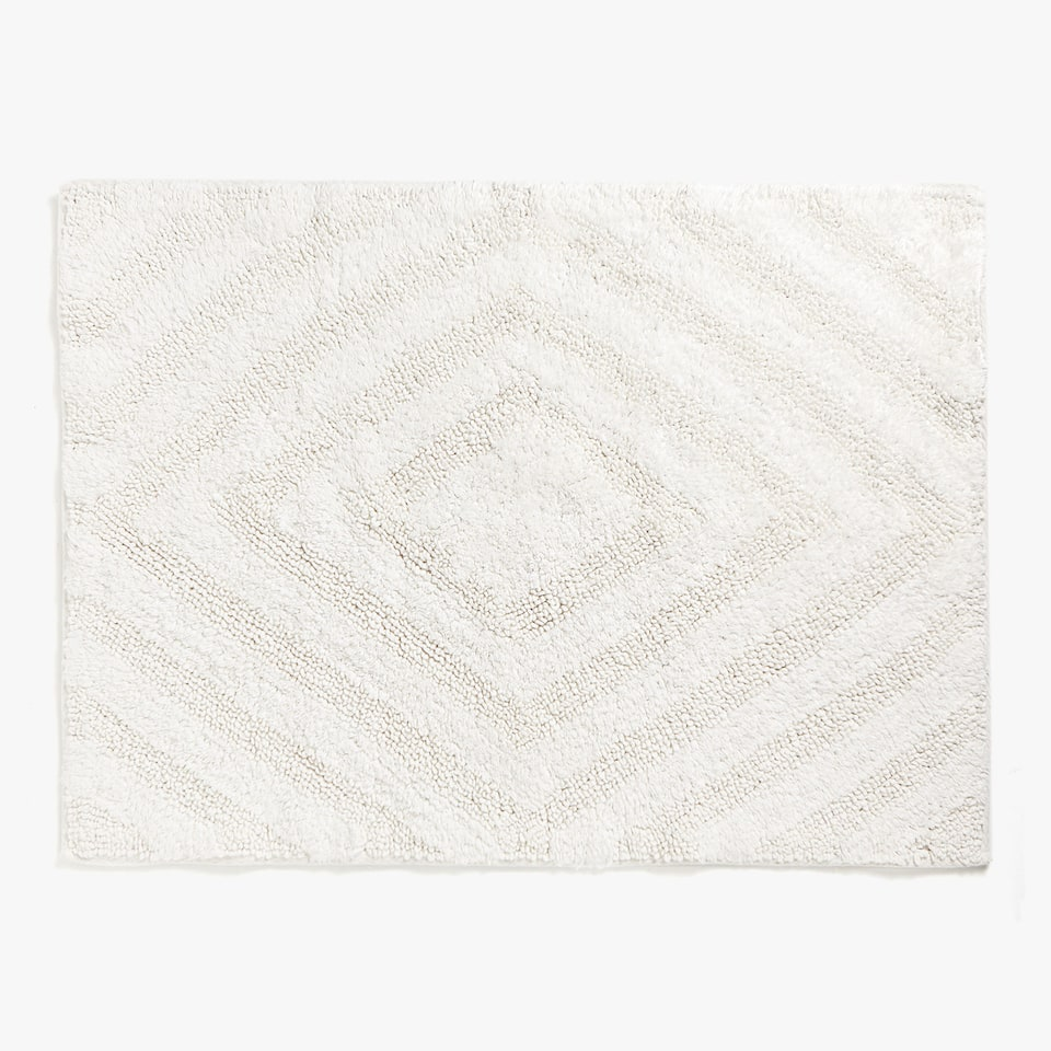 REVERSIBLE DIAMOND DESIGN BATH MAT