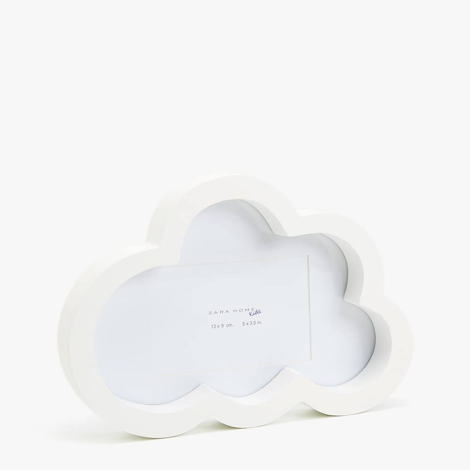 CLOUD-SHAPED FRAME