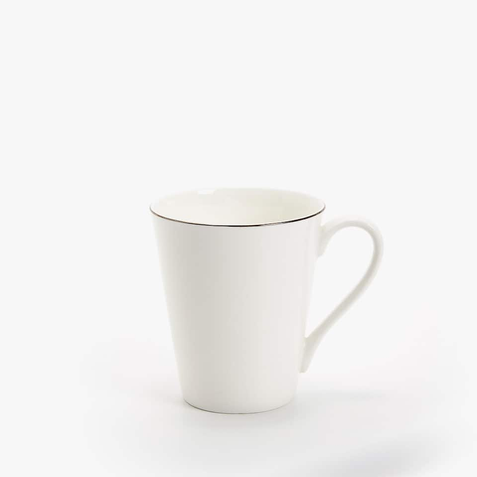 BONE CHINA KOP MET ZILVERKLEURIGE RAND