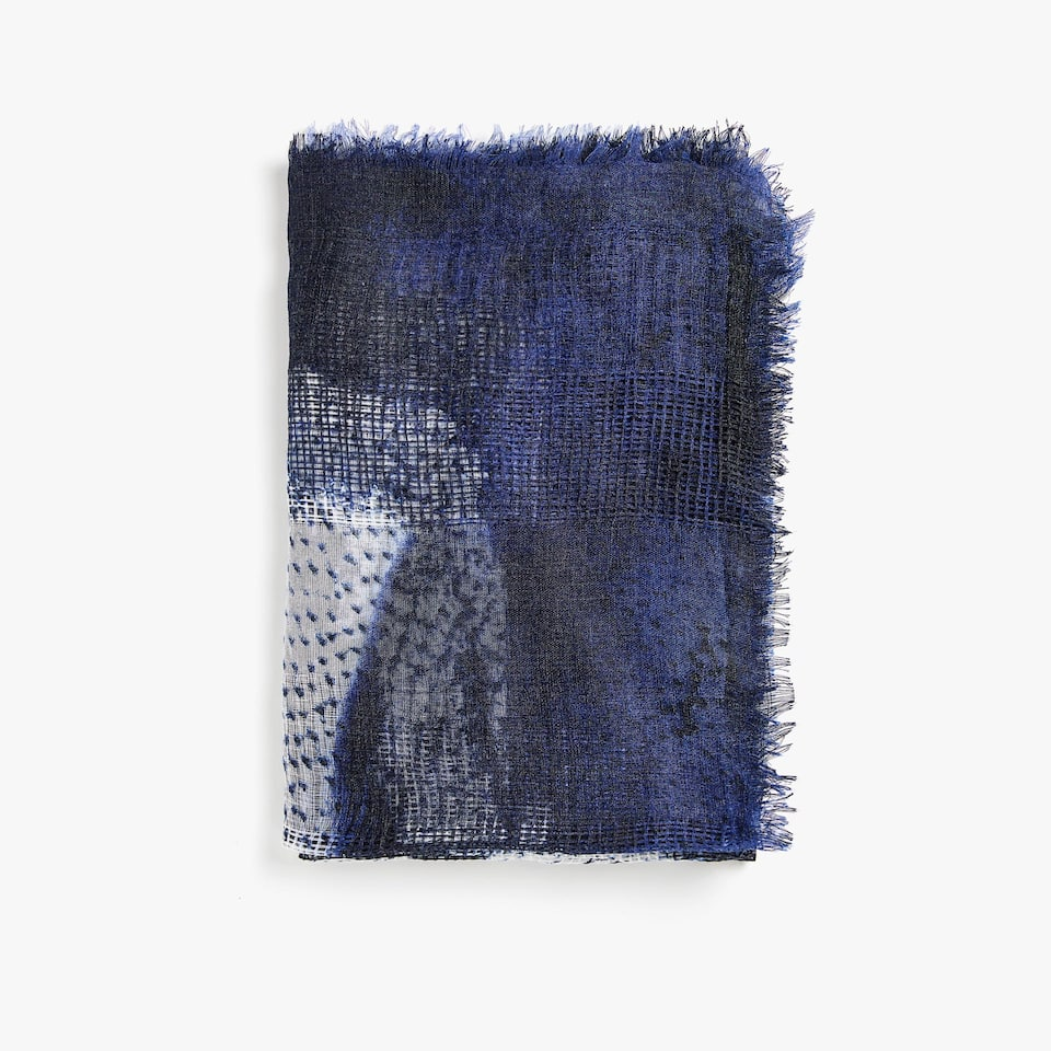 FRAYED PRINTED FOULARD