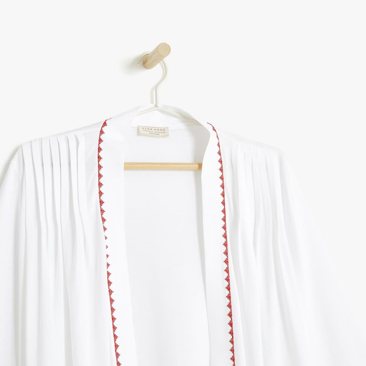 DRESSING GOWN WITH CONTRASTING EMBROIDERY - DRESSING GOWNS - WOMEN\'S ...