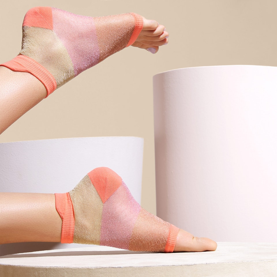 OPEN TOE SOCKS WITH METALLIC THREAD