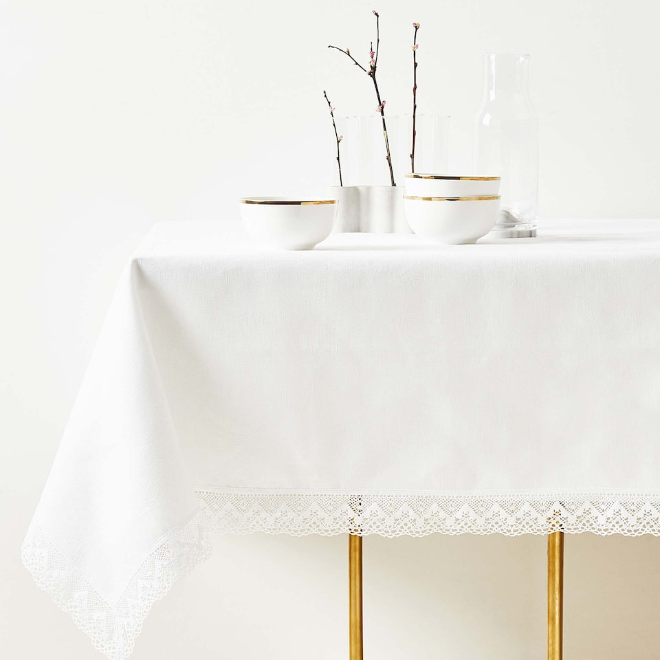 LACE-TRIMMED LINEN AND COTTON TABLECLOTH