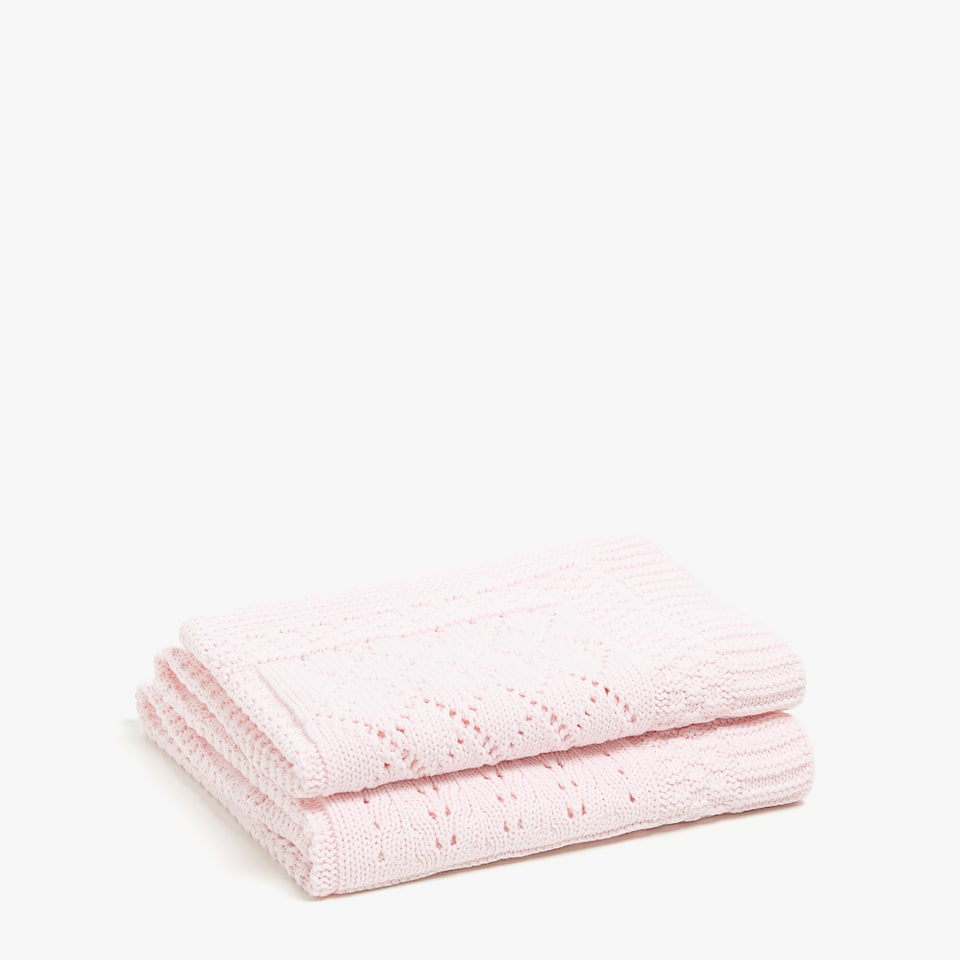 COUVERTURE TRICOT CARREAUX RELIEF