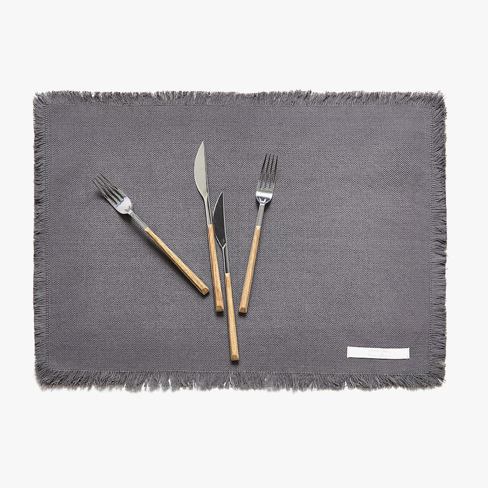 FRAYED COTTON PLACEMAT (SET OF 2)