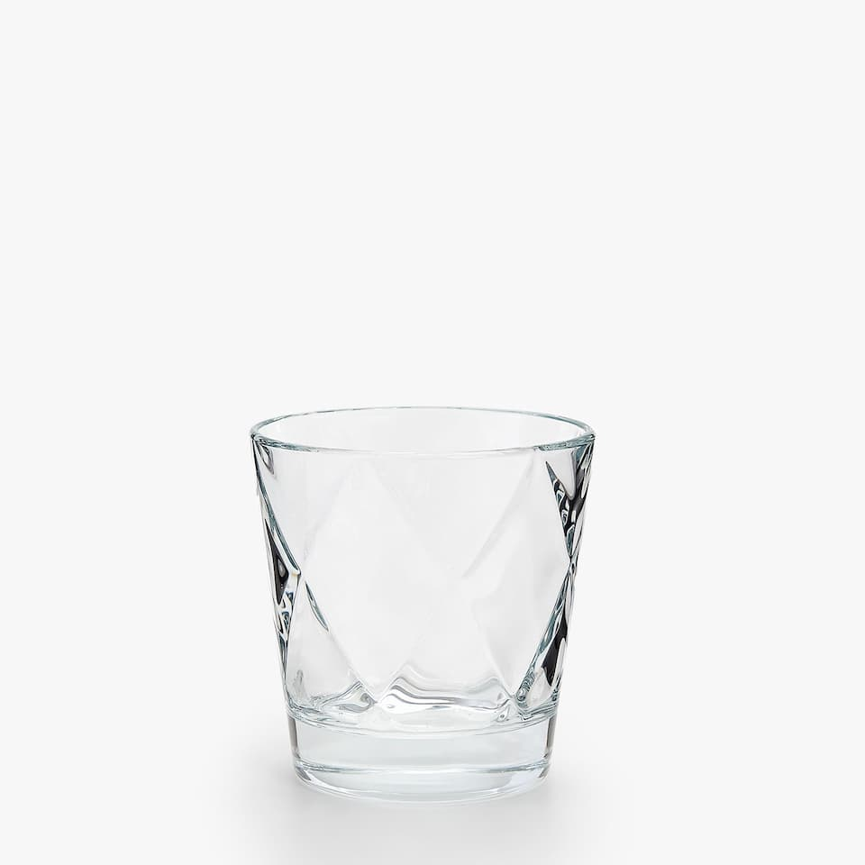 EMBOSSED TUMBLER WITH DIAMOND DESIGN