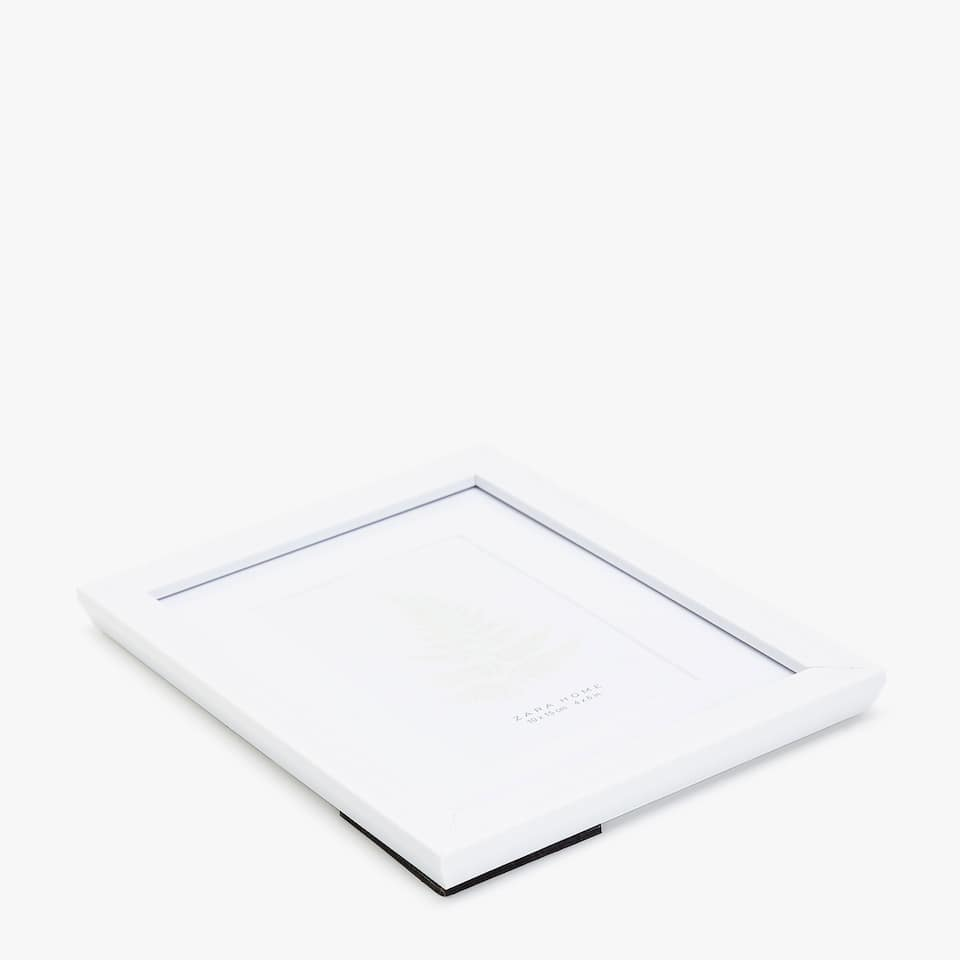 image 4 of the product white frame with passe partout - White Frame