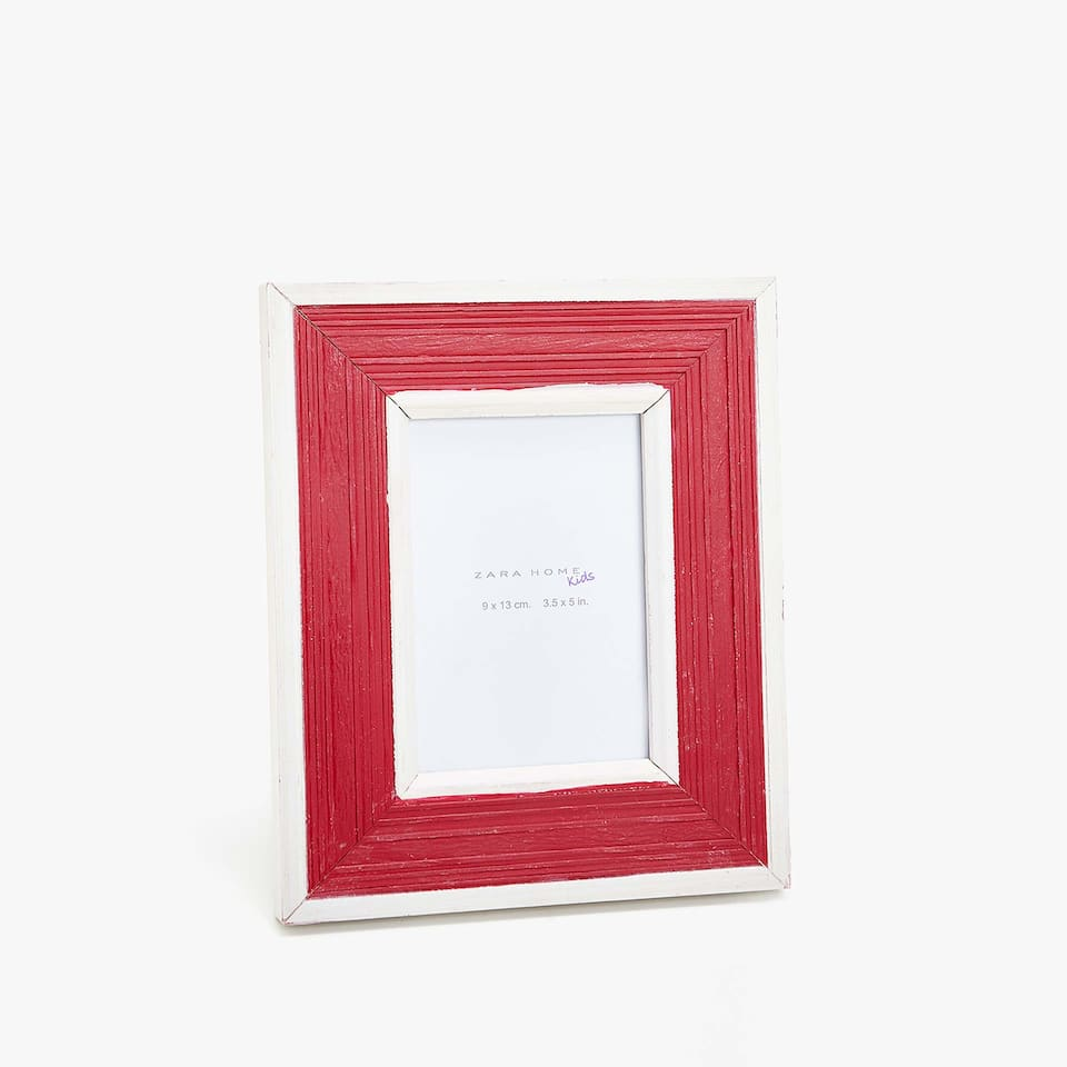 RED LACQUERED WOODEN FRAME
