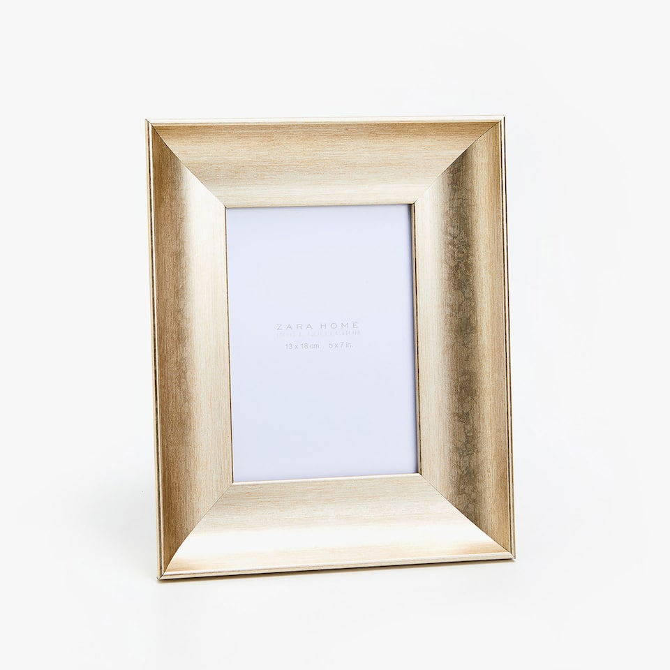 WIDE MATT GOLD FRAME